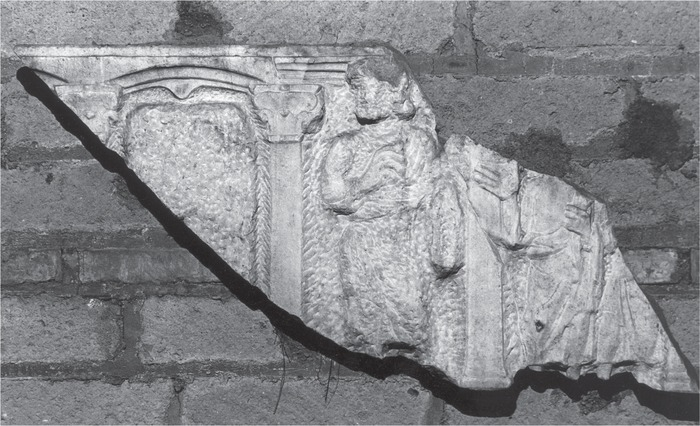 Fragment of an unfinished columnar sarcophagus, Rome, Catacomb of Marcellino e Pietro, second part of the fourth century (Rep. II 129). Photo: Archive Jutta Dresken-Weiland.